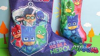 PJ Masks Super Pigiamini Le Calze della Befana con Dolci e Sorprese! [Apertura Giochi]