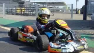 Amazing kid karting(, 2011-06-30T08:53:56.000Z)