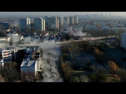 شاهد: البخار يغطي شوارع وارسو عقب انفجار أنبوب للتدفئة  - نشر قبل 3 ساعة