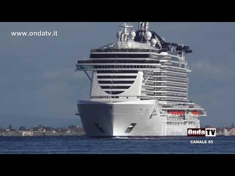 A bordo della nave da crociera più grande d'Italia, la MSC SEASIDE AL PORTO DI MESSINA