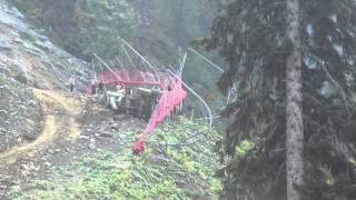 Упал миксер в горах Сочи(Вот так или почти так строилась олимпиада. Думаю что был перегруз. Хотел снять как заедет на гору, а тут тако..., 2014-08-24T20:21:55.000Z)