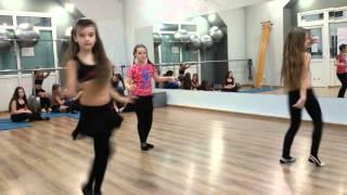 """Школа восточного танца """"Amira"""",  дети начинающие, урок импровизации"""