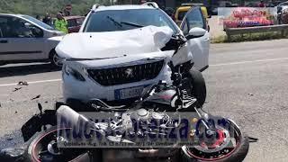 Grave incidente su ss107 auto contro moto