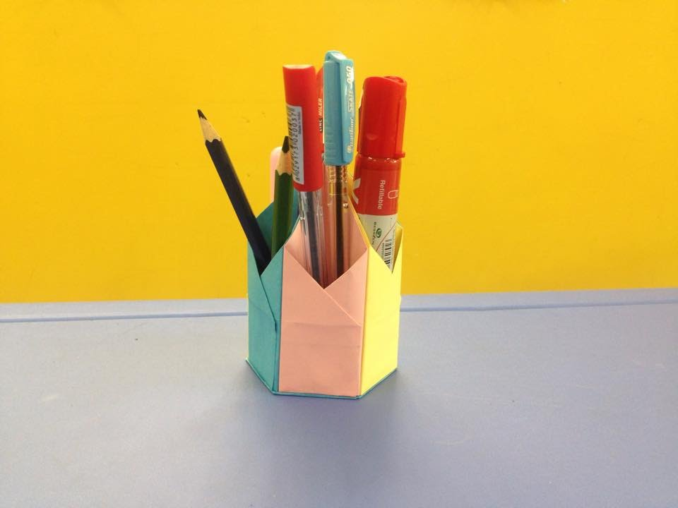 how to make a paper pencil holder easy origami for. Black Bedroom Furniture Sets. Home Design Ideas