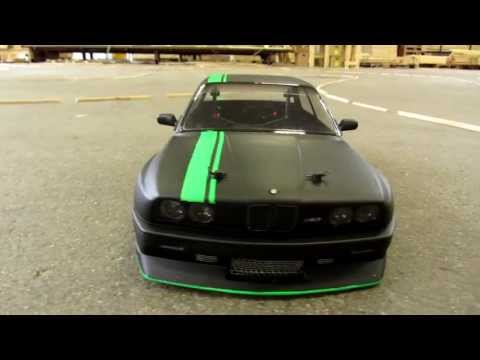 RC BMW E30 New Look Drifting (Matte Black And Fluor Green)