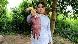 Video Cooking Chicken With Banana Flower Recipe Prepared By Beautiful Girl Cooking - Village Food Factory download MP3, 3GP, MP4, WEBM, AVI, FLV Desember 2017