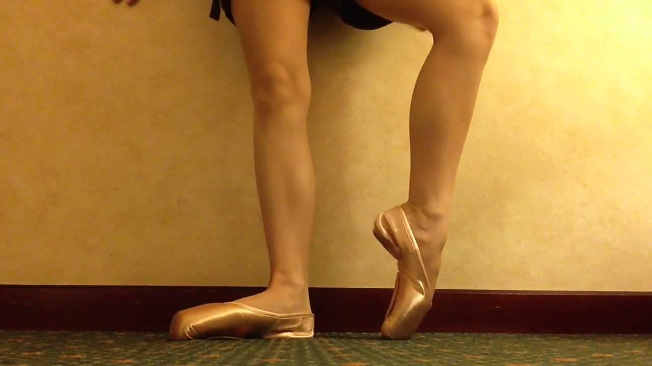 Bloch Stretch pointe shoe - YouTube