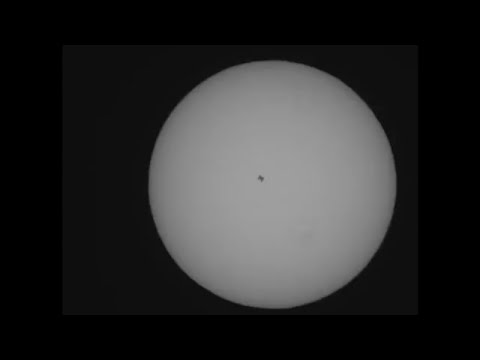 Telescope video INTERNATIONAL SPACE STATION SOLAR TRANSIT Orion Apex 102mm and Orion solar filter