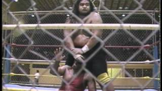 WWC: Carlos Colón vs. Yokozuna - Cage Match
