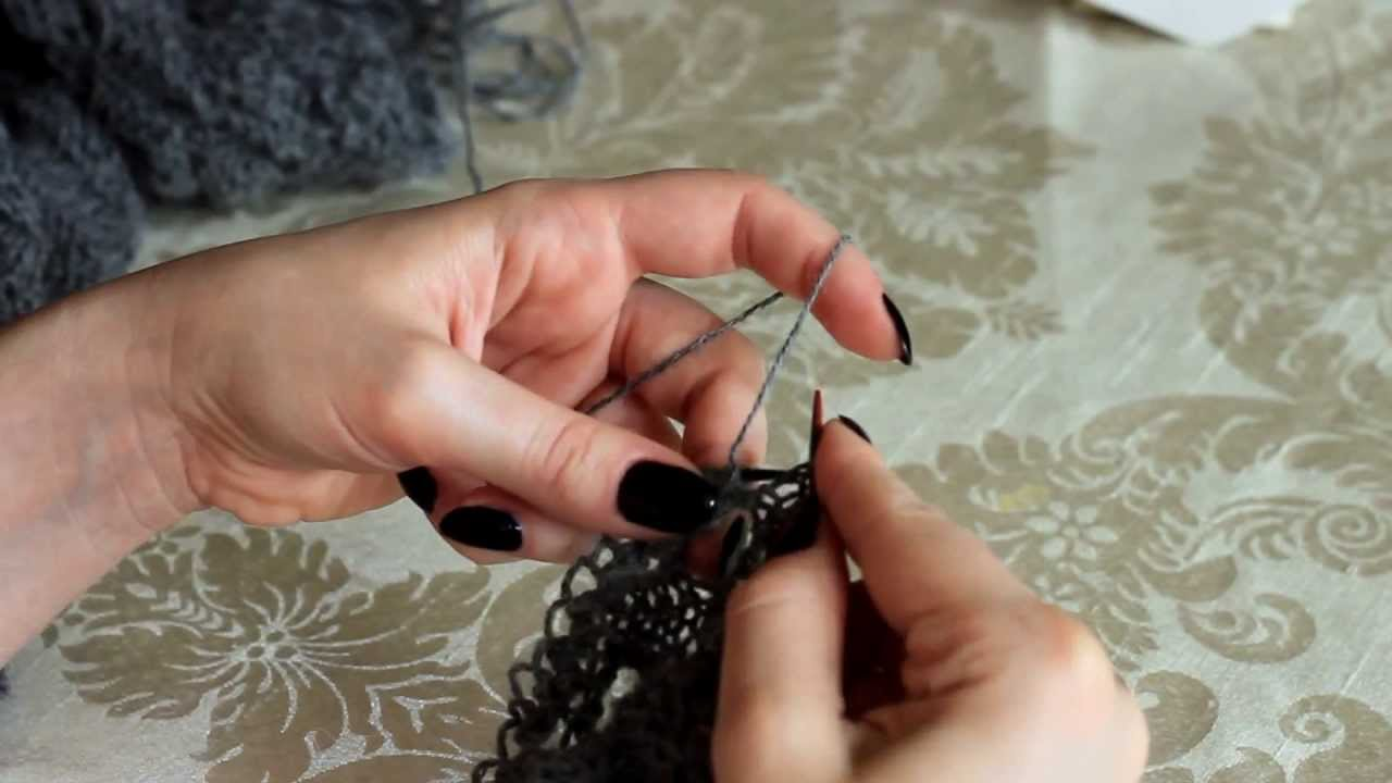 Knitting Joining Live Stitches : Attaching lace edging to shawls live stitches (knitting backwards) - You...