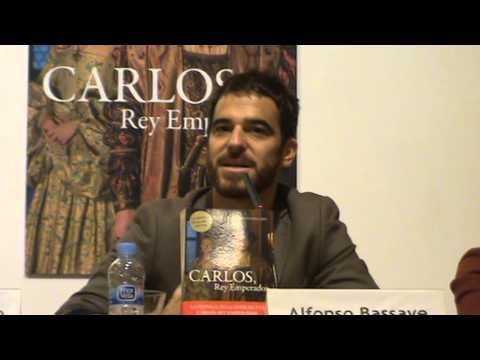 El actor Alfonso Bassave, en la presentación de CARLOS, REY EMPERADOR de Laura Sarmiento