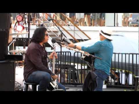 KISS Kruise 2011 - I Love It Loud - Unplugged - Multicam