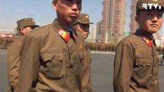 КНДР празднует день рождения основателя страны и готовится к войне