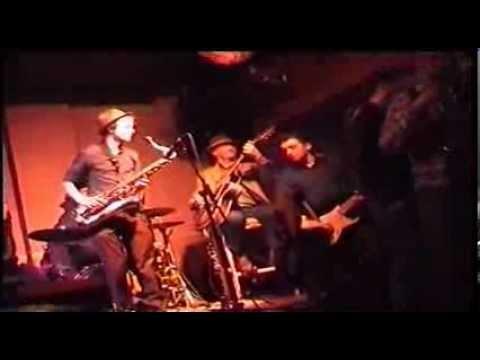Pete Gardner Guitarist entry Orianthi