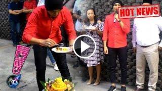 "Anji Rayakan Kesuksesan ""Dia"" dengan Potong Tumpeng - Cumicam 19 Agustus 2016"