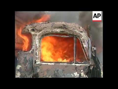 YUGOSLAVIA: ZEGRA: KOSOVO: SERBS HOUSES BURNED