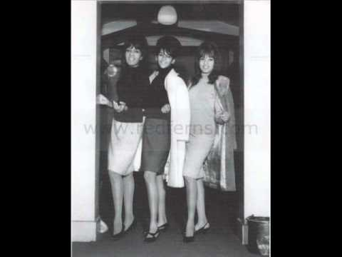 THE RONETTES (HIGH QUALITY) - CHAPEL OF LOVE