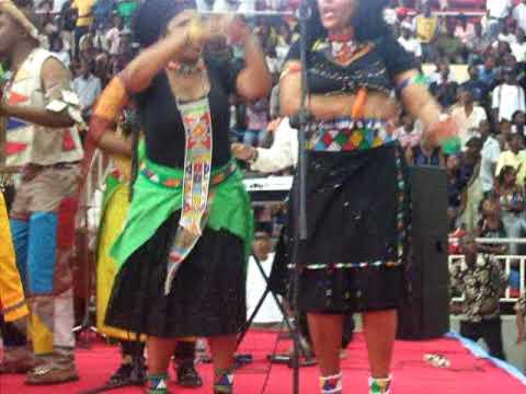 Universal gospel choir em Angola