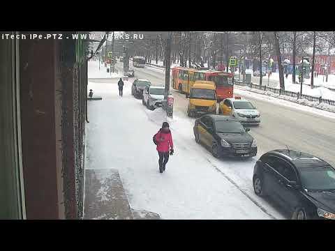 Авария. Столкновение на Комсомольском проспекте.