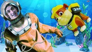 Видео про игрушки Щенячий патруль и водолаза! Время быть героем под водой!