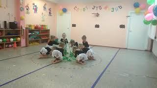 Открытый урок физкультуры у Машуни в детском саду.