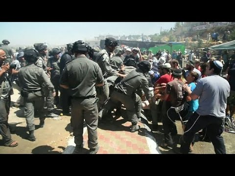 Clashes erupt between Israeli police and settlers in Beit El