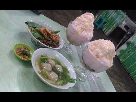 Liang Teh, Kwetiau Sea Food dan Es Strawberry D Bamboo Resto Veteran, Pontianak