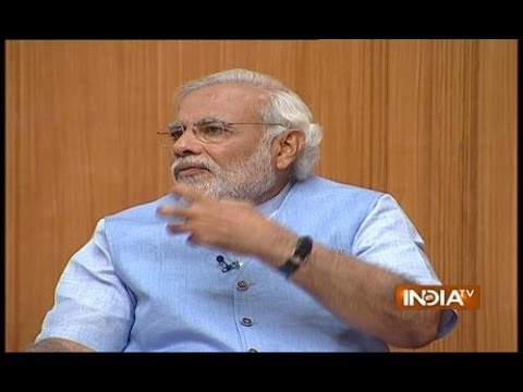 Amitabh Bachchan Hasnt Taken a Single Rupee for Gujarat Tourism Ad: Modi in Aap Ki Adalat