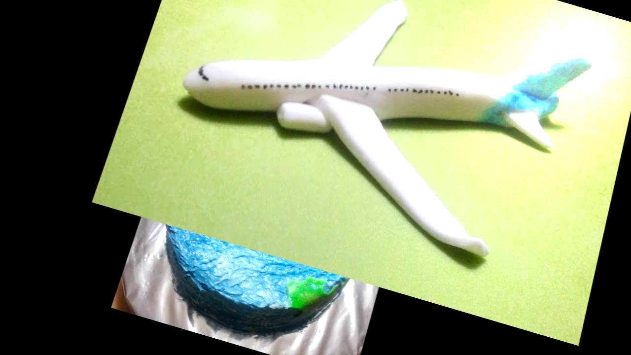 Airplane Cake Decoration in buttercream fondant by Gracie Cakes