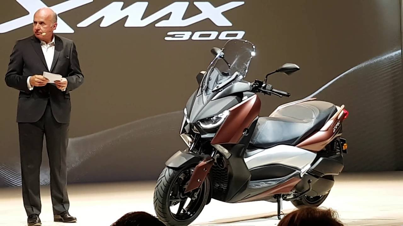 yamaha x max 300 world premiere in milan first look in 4k youtube. Black Bedroom Furniture Sets. Home Design Ideas