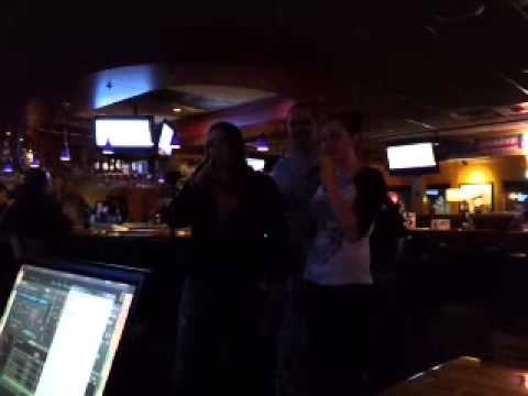 Karaoke at Applebee's