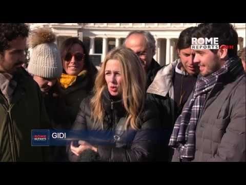 Spanish family celebrates their Christmas tradition with Pope Francis