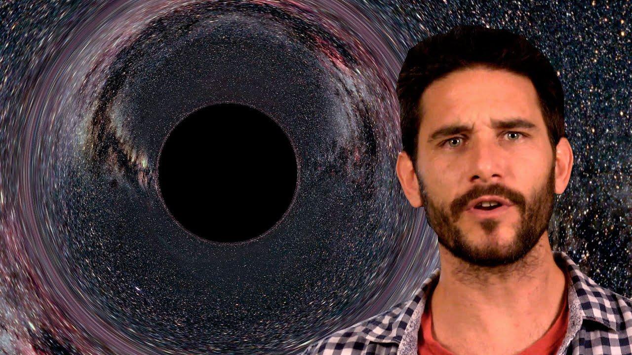 ¿Qué pasa si te caes a un agujero negro?