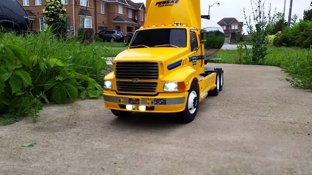 1 14 Scale R C Penske Truck Rental Build Youtube