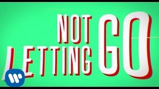 Tinie Tempah ft. Jess Glynne - Not Letting Go (Official Lyric Video)