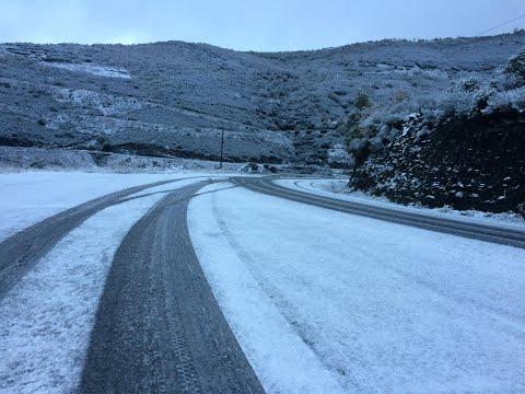 Nieve en la AP-53, en el Alto de San Martiño