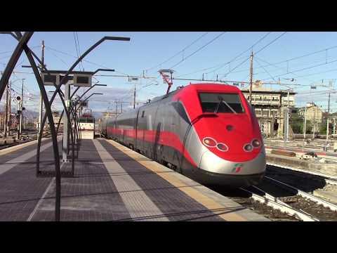 Treni in Stazione di Milano Centrale Milan Central Station Mailand Hauptbahnhof