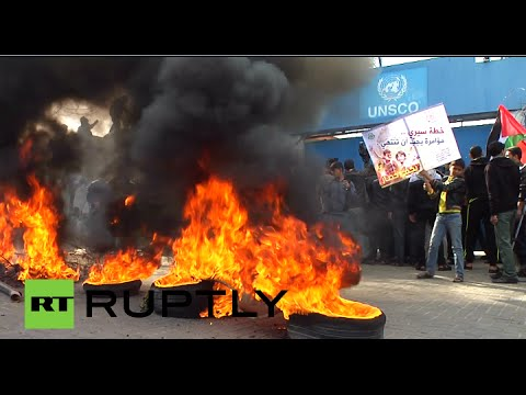 Homeless Palestinians destroy UN office after funding for refugees cut in Gaza