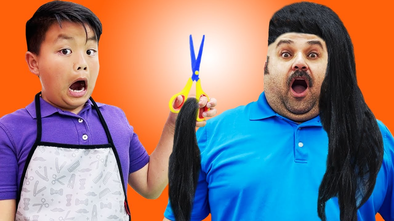 Alex Pretend Play Giving Haircuts at the Hair Salon | Kids Learn to Be Polite & Hardworking
