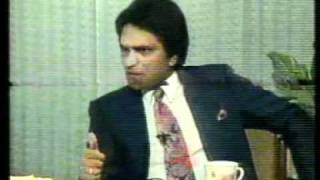 Moin Akhtar with Naeem Bukhari in Bila Takalluf Part-2.mpg