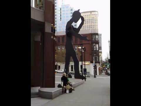 Seattle Art Museum The Hammering Man Installation