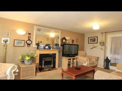 2 bedroom property for sale in Waterside Close Barking Essex