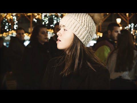 'Hallo Christmas', el villancico de Carlota