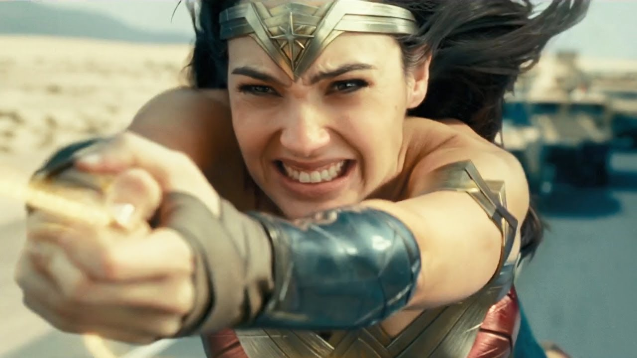 Download Wonder Woman 1984 / Highway Fight Scene (Diana Starts To Lose Her Powers)
