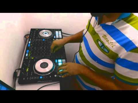 [Vin Aeoua] Pipo's A Cuca (Se Fica Zangada) & The Trumpeter (Chocolate Puma Remix) - DUB Mashup