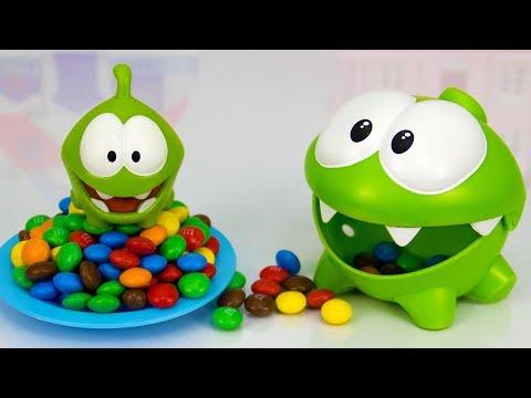 Ам Ням и Ам Нямчик ищут шоколадные конфеты. Мультики для детей.