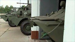 В полную боевую готовность были приведены военные подразделения от Сибири до самых западных районов.(, 2016-08-25T16:46:01.000Z)