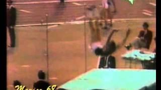 Mexico 1968 high Jump Final (Fosbury 2.24m Ed charuters 2.22m).wmv
