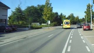 Ziekenauto komt aan bij ziekenhuis Belgie