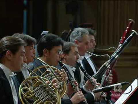 Francesco Di Rosa performs Strauss at La Scala Theatre in Milan 3°